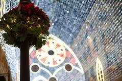 Los millares de brillar se encienden en las luces de la Navidad de Málaga Fotos de archivo