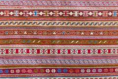 Los modelos tradicionales en la manta georgiana Fotografía de archivo libre de regalías