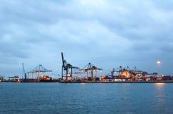 Los muelles del puerto de Rotterdam Fotos de archivo