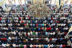 Los musulmanes en la mezquita para el rezo eran puros Fotos de archivo libres de regalías
