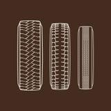 Los neumáticos de coche remontan iconos aislados vector del modelo de la pisada del neumático ilustración del vector