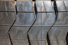 Los neumáticos de coche se cierran para arriba imagen de archivo libre de regalías