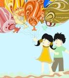 Los niños asiáticos son globos enormes hermosos y del control Imagen de archivo libre de regalías