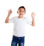 Los niños con gesto divertido abren los dedos Imágenes de archivo libres de regalías
