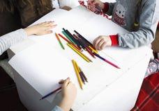 Los niños drenan imágenes de archivo libres de regalías