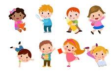 Los niños van a la escuela, de nuevo a escuela, los niños lindos de la historieta, niños felices ilustración del vector