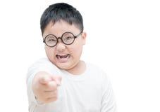 Los obses serios o enojados embroman el dedo índice de los puntos aislado Foto de archivo libre de regalías