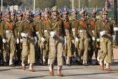 Los oficiales que llevan de la espada llevan t Imagen de archivo libre de regalías
