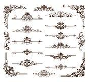 Los ornamentos de los elementos del diseño del vintage enmarcan etiquetas engomadas retras de los encintados de las esquinas y el stock de ilustración
