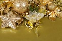 Los ornamentos del árbol de navidad Fotos de archivo libres de regalías