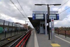 Los PAÍSES BAJOS - 13 de abril: Estación de Steenwijk en Steenwijk, los Países Bajos el 13 de abril de 2017 Fotos de archivo libres de regalías