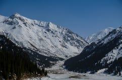 Los paisajes de la montaña Foto de archivo