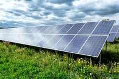 Los paneles de energía solar Imágenes de archivo libres de regalías