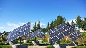Los paneles fotovoltaicos. Imagenes de archivo