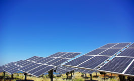 Los paneles fotovoltaicos. Fotos de archivo