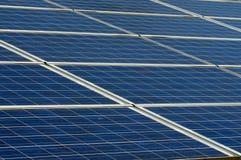 Los paneles fotovoltaicos Fotos de archivo libres de regalías