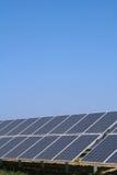 Los paneles fotovoltaicos solares Fotografía de archivo