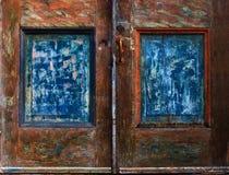 Los paneles resistidos de la puerta Imágenes de archivo libres de regalías