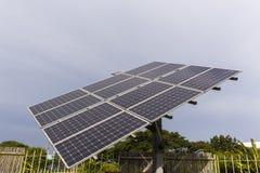 Los paneles solares de las pantallas Imagen de archivo libre de regalías