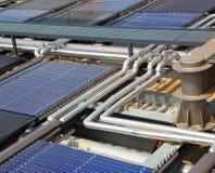 Los paneles solares del agua Imagenes de archivo