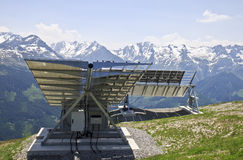 Los paneles solares en el Latschenalm, Gerlos, Austria Imagen de archivo
