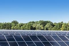 Los paneles solares en Francia Imágenes de archivo libres de regalías