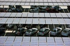 Los paneles solares en la azotea Imágenes de archivo libres de regalías