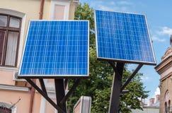 Los paneles solares respetuosos del medio ambiente Fotografía de archivo