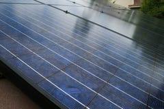Los paneles solares se cierran para arriba Fotografía de archivo libre de regalías