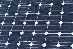 Los paneles solares sucios Imagen de archivo
