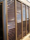 Los paneles solares verticales Foto de archivo libre de regalías