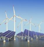Los paneles y turbina de viento de energía solar Imagen de archivo libre de regalías