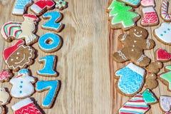 Los panes de jengibre se adornan por el Año Nuevo y la Navidad y el x28; puede ser utilizado como card& x29; Foto de archivo