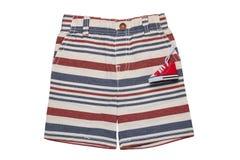Los pantalones cortos aislaron Pantalones rayados elegantes cortos de una mezclilla del verano aislados en un fondo blanco Moda d imagenes de archivo