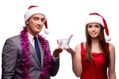 Los pares en concepto en línea de las compras de la Navidad Imagen de archivo libre de regalías