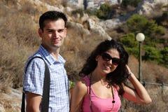 Los pares hacen la visita tur?stica de excursi?n en Atenas Imagenes de archivo