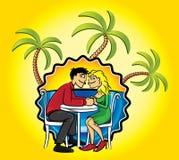 Los pares románticos en amor y día de fiesta varan el fondo con el ejemplo de las palmas Foto de archivo