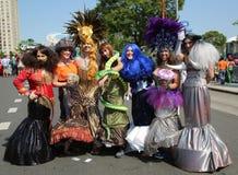 Los participantes marchan en el 34to desfile anual de la sirena Fotos de archivo