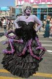 Los participantes marchan en el 34to desfile anual de la sirena Imagenes de archivo