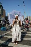 Los participantes marchan en el 34to desfile anual de la sirena Imagen de archivo