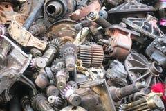 Los pasados autos de la maquinaria de la segunda mano, recambios Imágenes de archivo libres de regalías