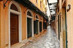 Los pasillos en Corfú, Grecia Imagen de archivo libre de regalías