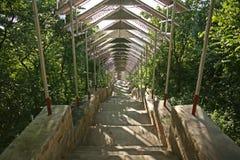 Los pasos extensos que llevan al complejo de la pagoda en la cumbre de la colina de la pagoda del Su Taung Pyae sobre Mandalay en Imagen de archivo libre de regalías