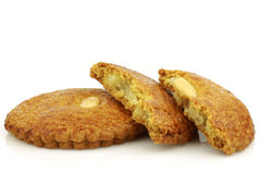 Los pasteles tradicionales holandeses llamaron el koek del gevulde foto de archivo