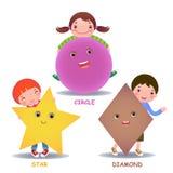 Los pequeños niños lindos de la historieta con formas básicas protagonizan el diamante del círculo Imagen de archivo