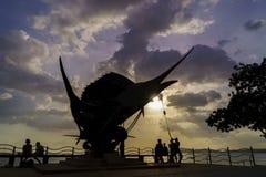Los pescados de espada esculpen el adorno de la playa en Ao Nang Fotografía de archivo libre de regalías