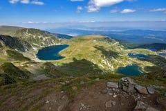 Los pescados, el ojo y los lagos kidney, los siete lagos Rila, montaña de Rila Imagen de archivo