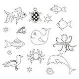 Los pescados en el fondo blanco, esquema marino fijaron stock de ilustración