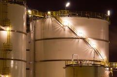 los Petroquímico-tanques foto de archivo