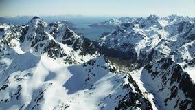 Los picos de Lofoten en el ártico almacen de metraje de vídeo